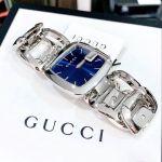 Gucci G-Gucci Bangle Mặt Vuông Màu Xanh Dây Kim Loại Màu Bạc YA125405