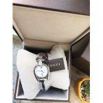 Gucci Horsebit Mặt Tròn Khảm Trai Dây Kim Loại Màu Bạc YA139504
