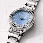 Bulova Crystal TurnStyle Mặt Khảm Trai Màu Xanh Đá Chạy Viền Dây Kim Loại Màu Bạc 96L260
