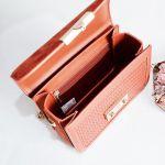 Charles & Keith Woven Boxy Màu Nâu Da Bò Dây Xích Màu Vàng CK2-80700972