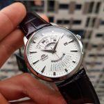 Orient Multi Year Calendar Automatic Mặt Tròn Màu Trắng Dây Da Màu Đen Lịch Vạn Niên EU0A005W