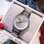 Michael Kors Gabbi Mặt Tròn Đính Đá Dây Kim Loại Màu Bạc MK3984