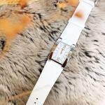 Tissot Generosi-T Mặt Chữ Nhật Dây Da Màu Trắng Lịch Ngày T105.309.16.018.00