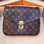 Louis Vuitton Pochette Metis Monogram M44875