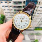 Orient Bambino Automatic Mặt Tròn Màu Trắng Viền Vàng Dây Da Màu Nâu Lịch Ngày AC00007W